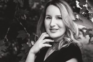 Portrait in der Natur – junge Frau im Remstal